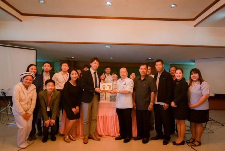วันที่ 23 มกราคม 2560 ตัวแทนทาเคดะ มอบอุปกรณ์การแพทย์ให้แก่โรงพยาบาลเขมราฐ โดยมีผู้อำนวยการโรงพยาบาลเขมราฐเป็นตัวแทนในการรับมอบ