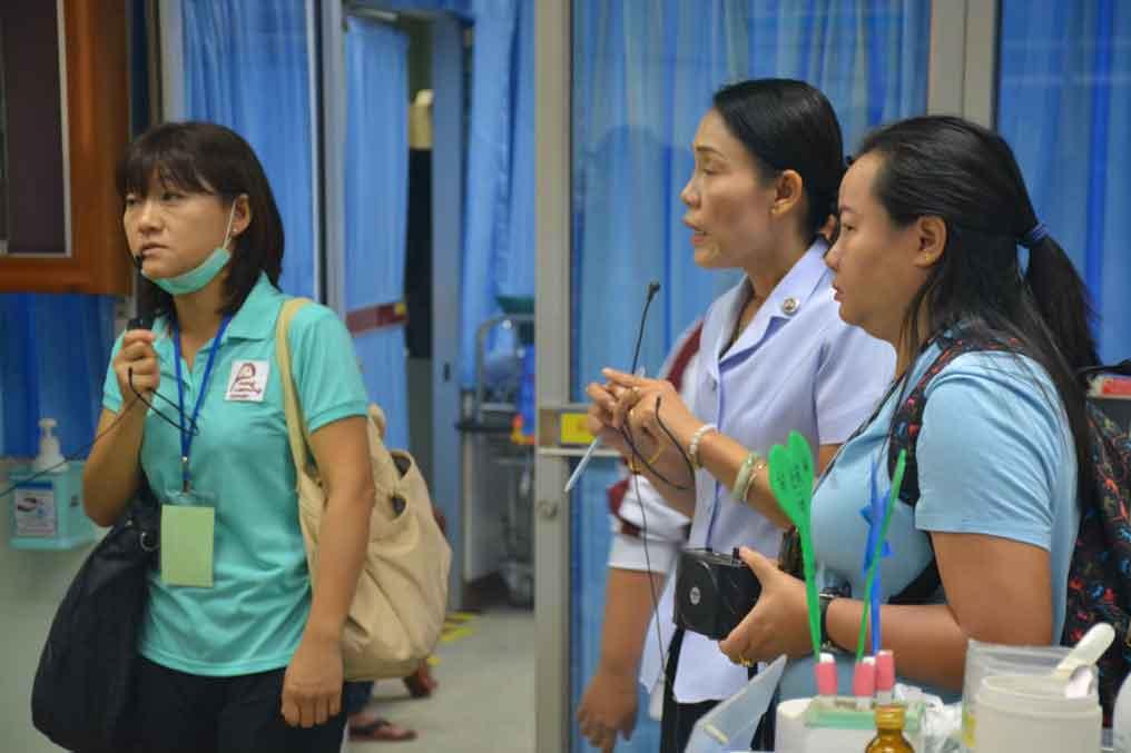 เยี่ยมชมจุดให้บริการในโรงพยาบาลเขมราฐ และมอบของฝากจากประเทศญี่ปุ่น
